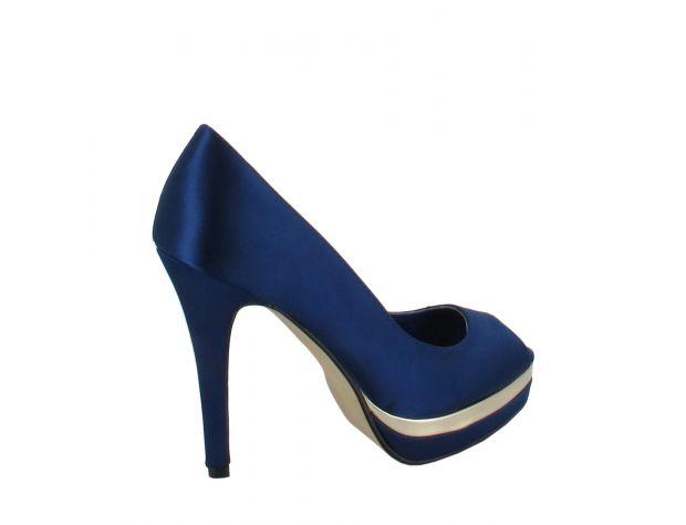 ESSENCE shoes Menbur